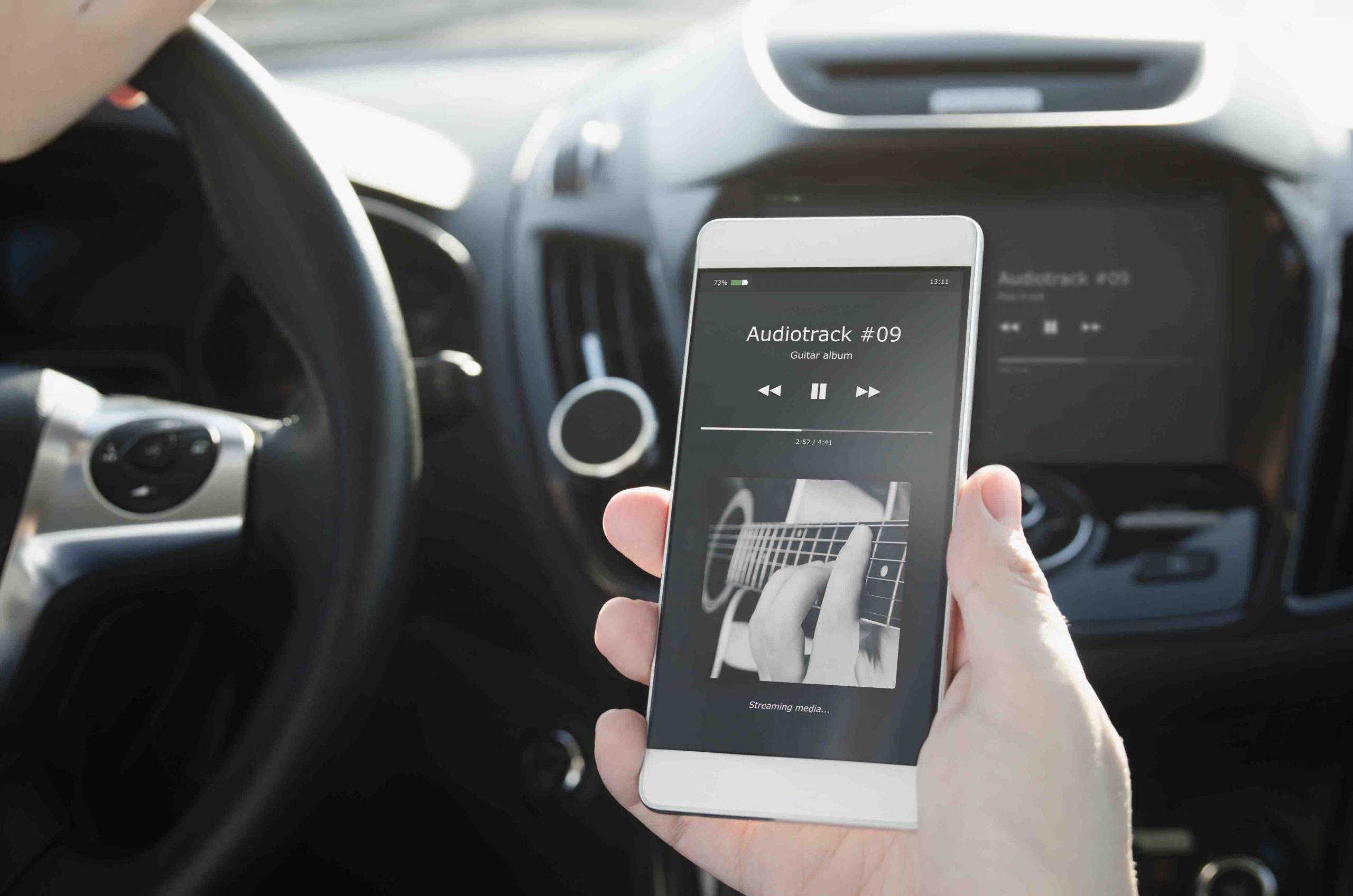 Connecter téléphone au radio voiture